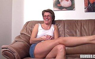 Mature german woman masturbating