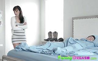 Assisting Mom (Karmen Santana) Worries Son's - FamilyOrgasm.com