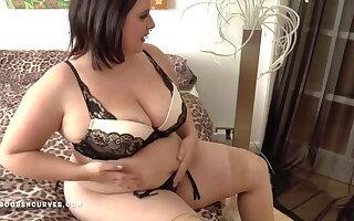 Busty big ass Sarah has an older woman combat
